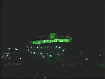 Comentario: La iluminación del Castillo y el Canon de Pachelbel