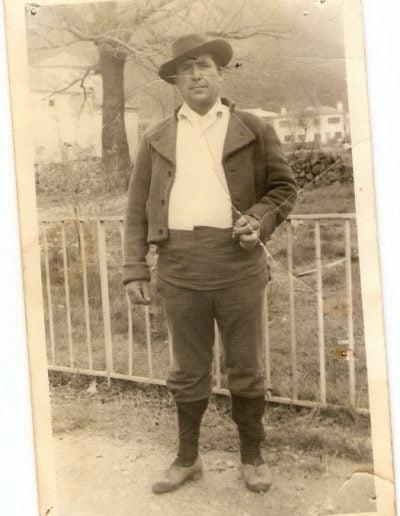 Gaspar Rivas como personaje de la serie Curro Jimenez, rodada en La Adrada.