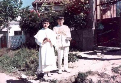 Juan Carlos Garcia y Emilio Guadarrama, el día de su primera comunión.