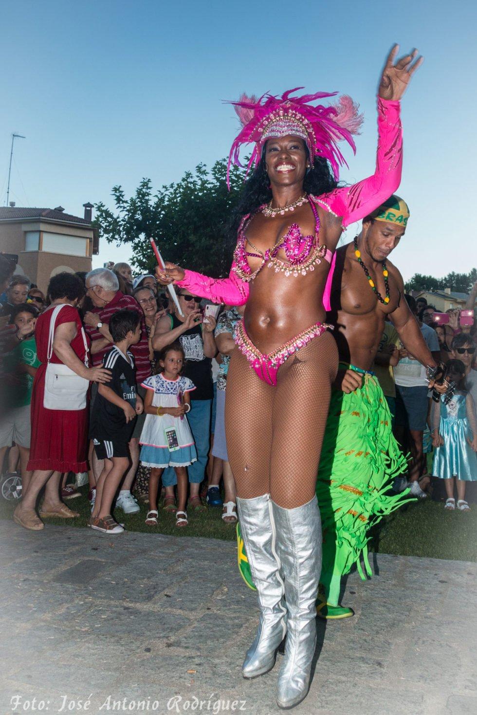 carnaval-de-verano-2015_20062696368_o