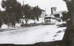 El autobús entrando en el pueblo, año 1960.