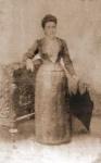 Año 1900. La dama es Doña Pilar Martínez Fernández.